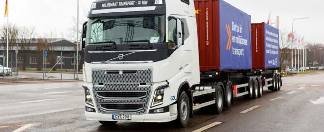 Ekipaget bygger på en Volvo FH16 dragbil som kan hantera två lastade container i jämförelse med dagens lösning där lastbilen endast kan hantera en per transportresa.