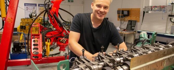 Robin Karlsson har stortrivts på utbildningen till fältservicetekniker, såväl i skolans lokaler som ute på praktik.