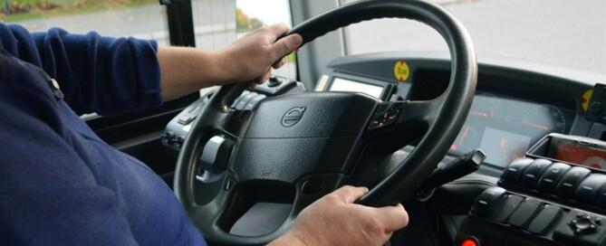 En chaufför får inte lyftas bort från ratten bara för att hen uppnått en viss ålder. Inte någon annan heller. Foto: Clas-Göran Sandblom
