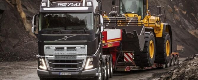 Den förstärkta stötfångaren gör Volvo FH ännu mer lämpad för miljöer där det är stor risk för skador.