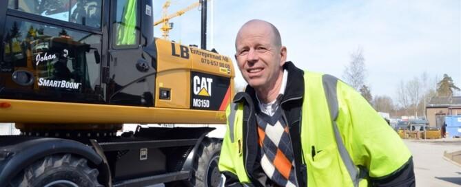 – Jag och mina medarbetare jobbar  tillsammans över 220 arbetsdagar per år. De blir som att ha dubbla  familjer, säger Lars Bäckström.